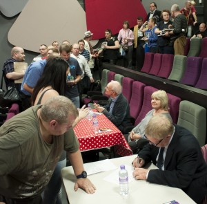 Queuing for Autographs